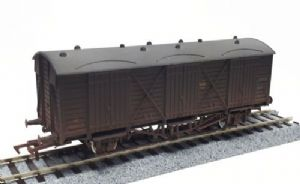 Dapol 4F-014-016 GWR Fruit D, Shirtbutton Livery, Weathered